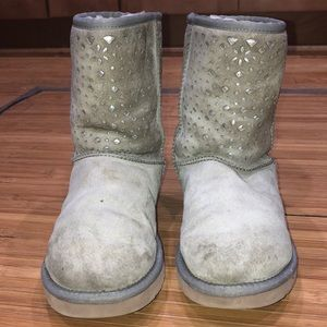 Pale gray lattice cut out UGG short boots